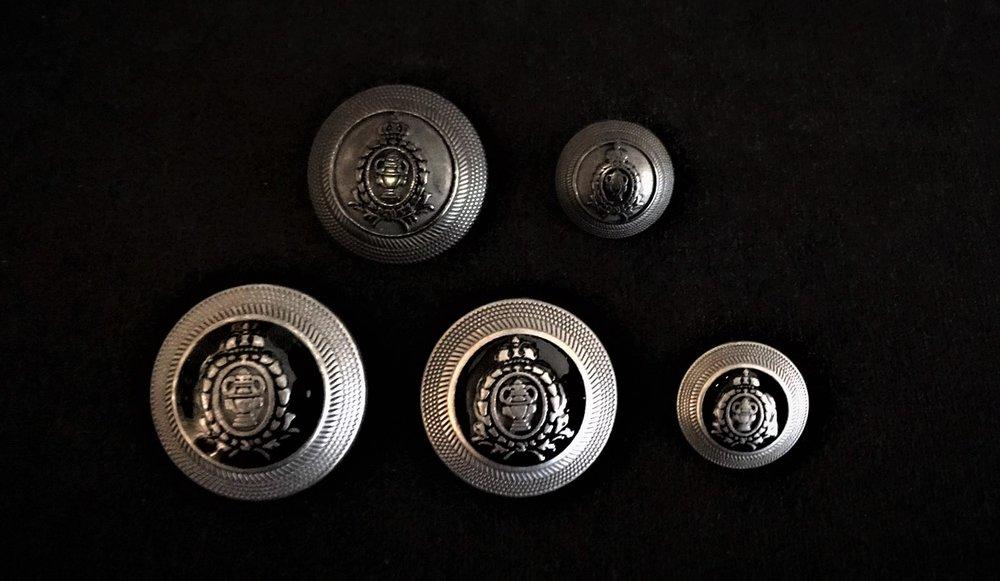 Boutons style militaire en métal