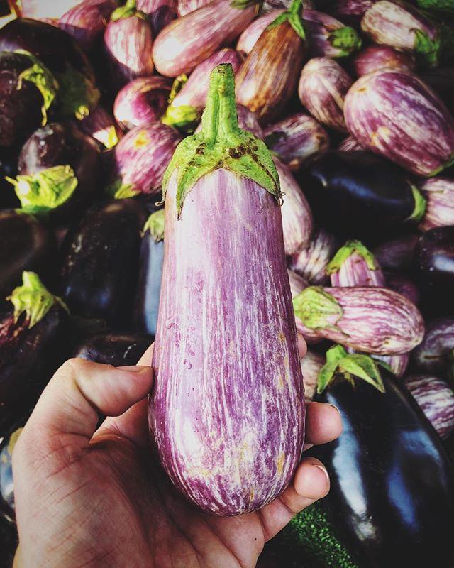 Aubergine heaven. . . . #fiftyshadesofpurple #aubergine #marketday #market #vegan #aubergine🍆 #🍆 #purple #spain #travelphotography #travelblogger #travel #foodporn #foodphotography #heaven
