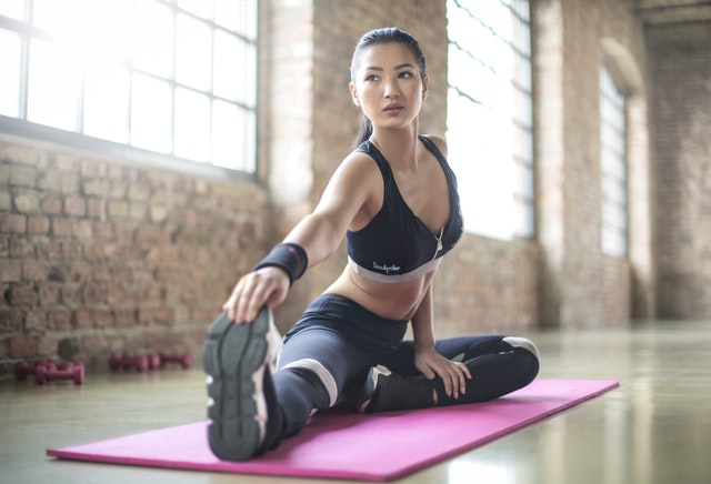 The best time to workout if you are insulin resistant // PCOS Weight Loss // PCOS Symptoms // Weight Loss Advice // Prediabetes Weight Loss // Lower your blood sugar | PCOSLiving.com