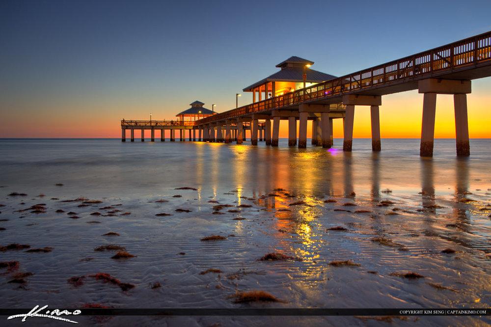 Fort-Myers-Beach-Pier-Florida-at-the-Gulf-Coast.jpg