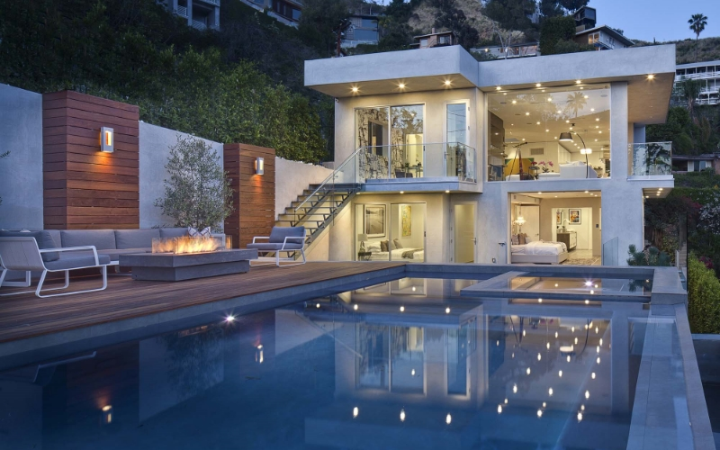 HOLLYWOOD HILLS  1717 Sunset Plaza Drive