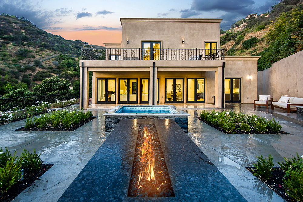 BEVERLY HILLS 9484 Gloaming Drive