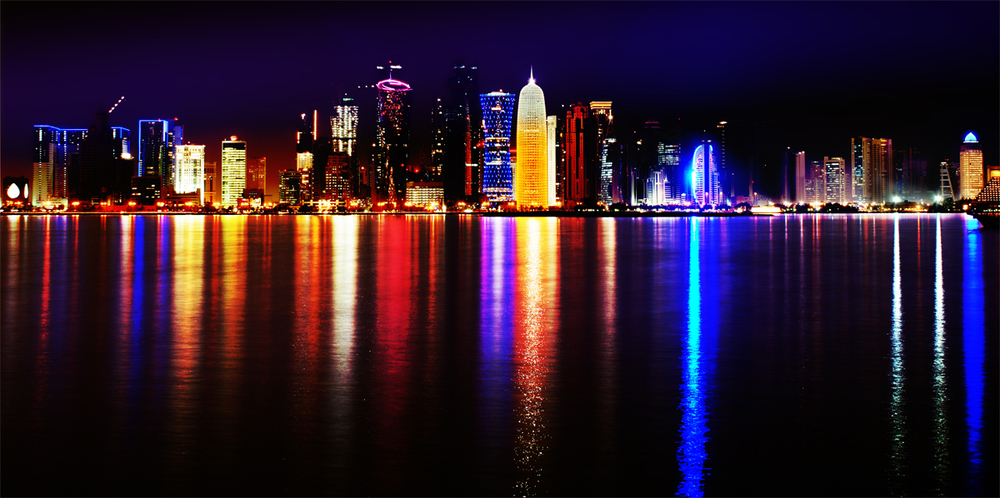 Doha_Qatar_skyline_at_night_Sept_2012.jpg