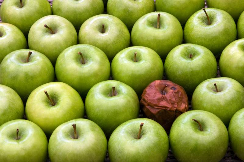 10-one-rotten-apple-spoils-the-whole-bunch.jpg