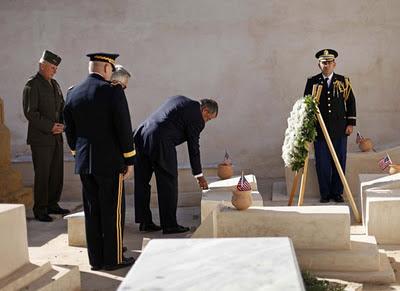 Leon Pannetta visits Tripoli Cemetery