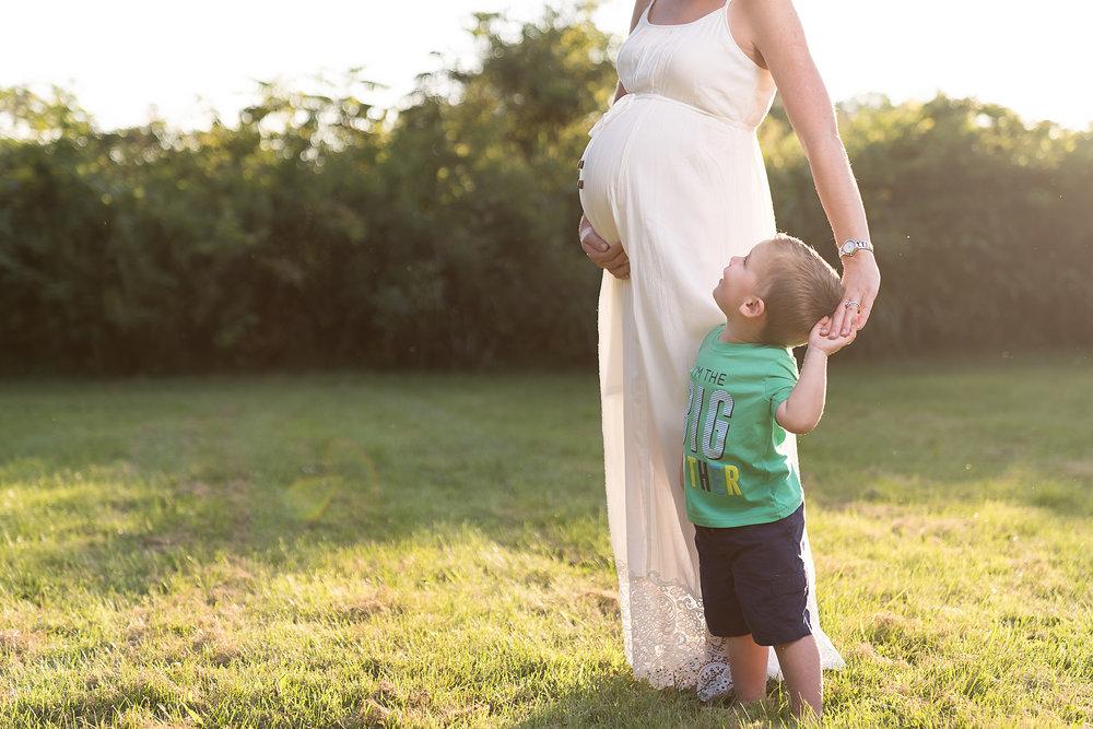 Cincinnati-Maternity-Photographers-4.jpg