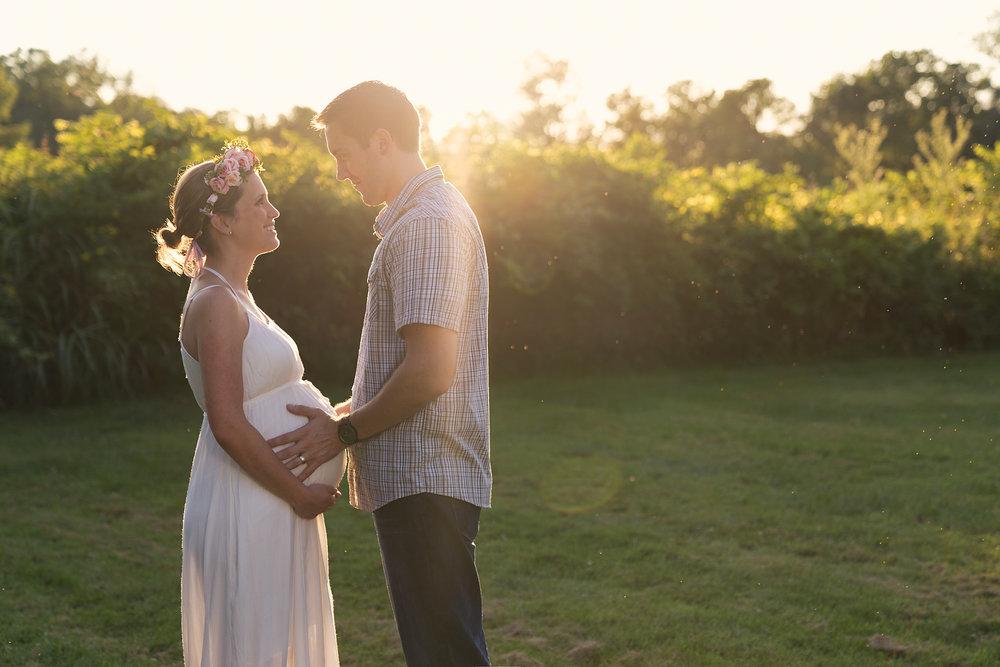 Cincinnati-Maternity-Photographers-7.jpg