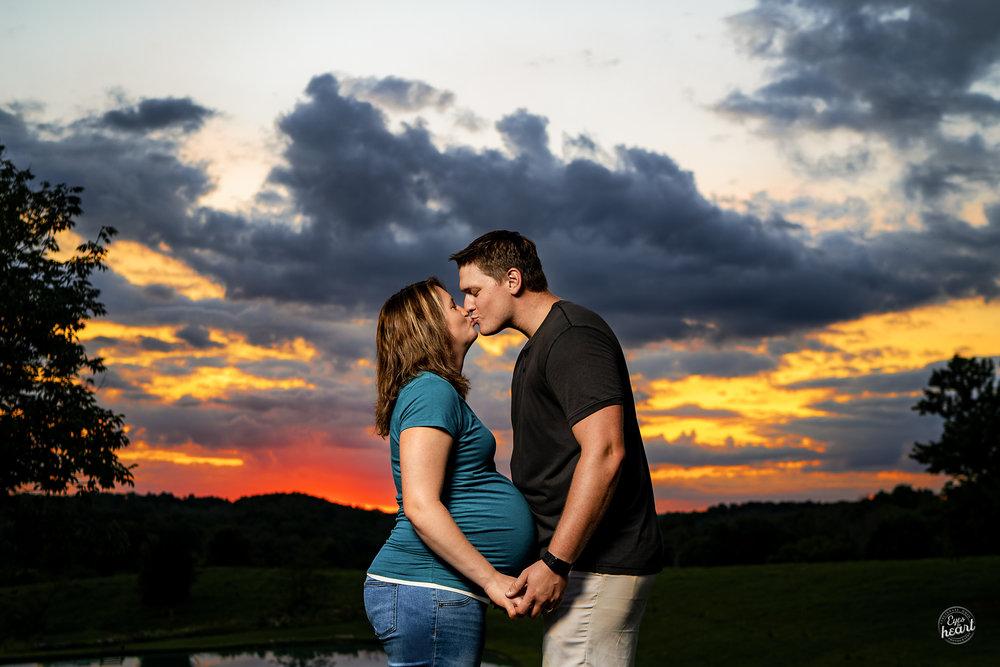 Cincinnati-Maternity-Photographers.jpg