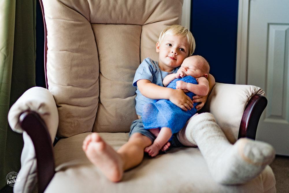 Cincinnati-Newborn-Lifestyle-Photographer-3.jpg
