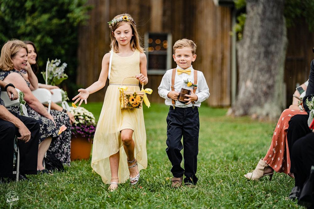 Cincinnati-Wedding-Photographers-Hughes-Center-Barn-30.jpg