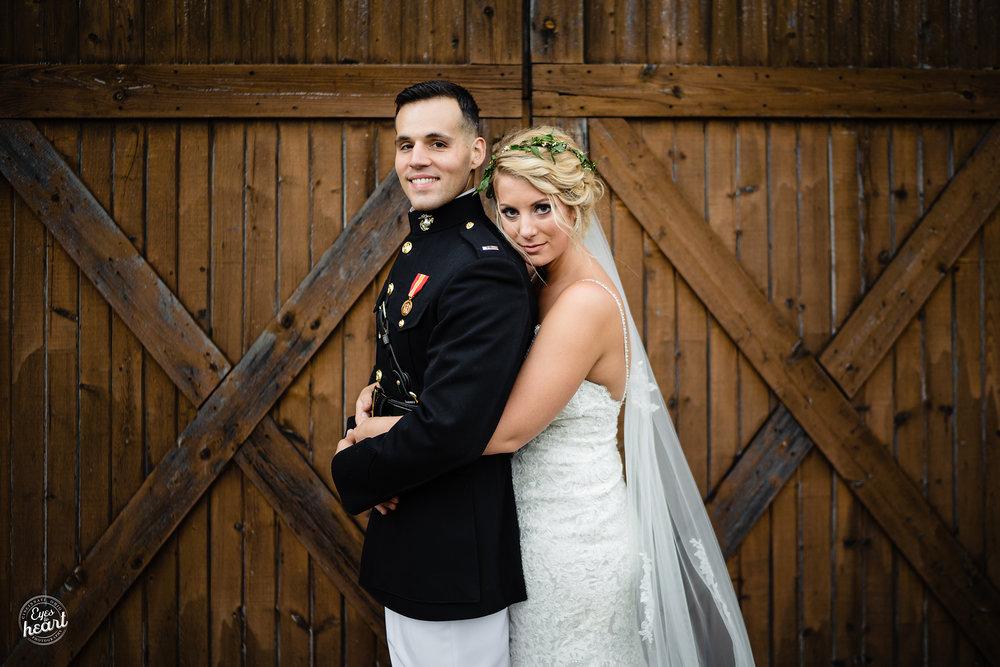 Cincinnati-Wedding-Photographers-Hughes-Center-Barn-37.jpg
