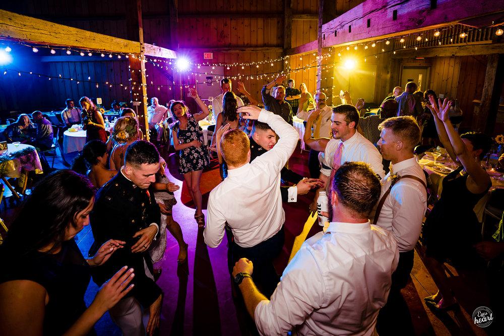 Cincinnati-Wedding-Photographers-Hughes-Center-Barn-27.jpg