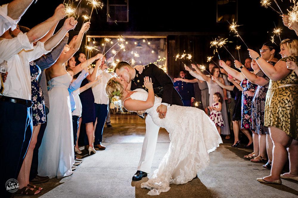 Cincinnati-Wedding-Photographers-Hughes-Center-Barn-28.jpg