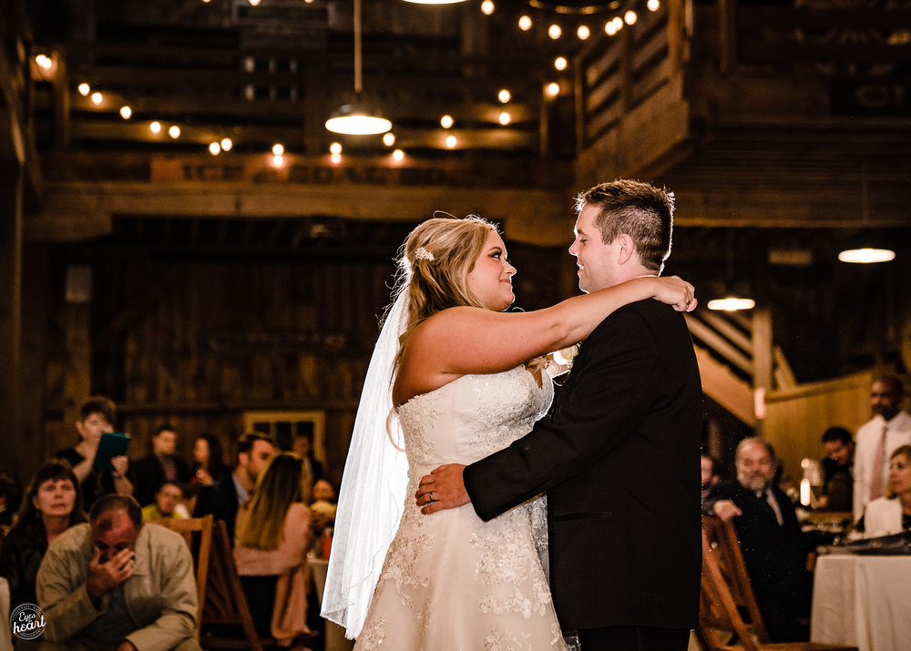 Carriage-Hill-Liberty-Twp-OH-Wedding-Photographer-8.jpg