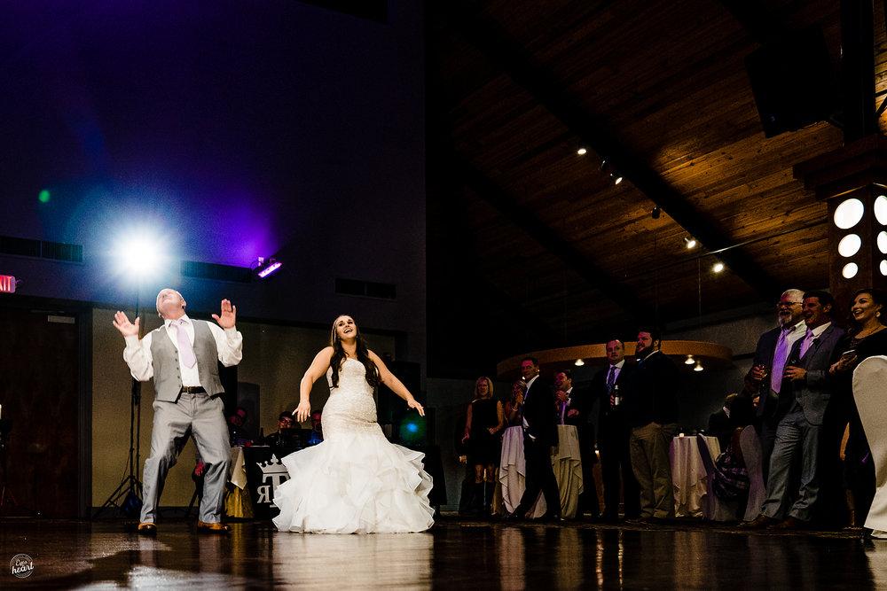 The-Pinnacle-Ballroom-Covington-KY-Wedding-Photography-21.jpg