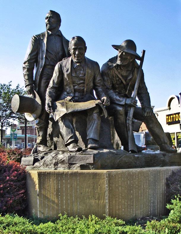 Westport_Pioneers_Statue.jpg