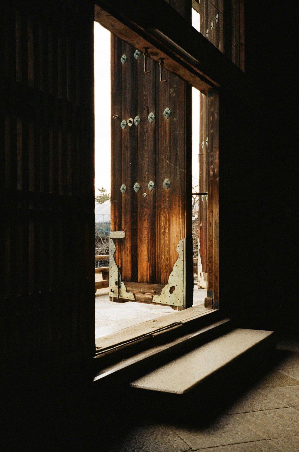 door_kyoto.jpg
