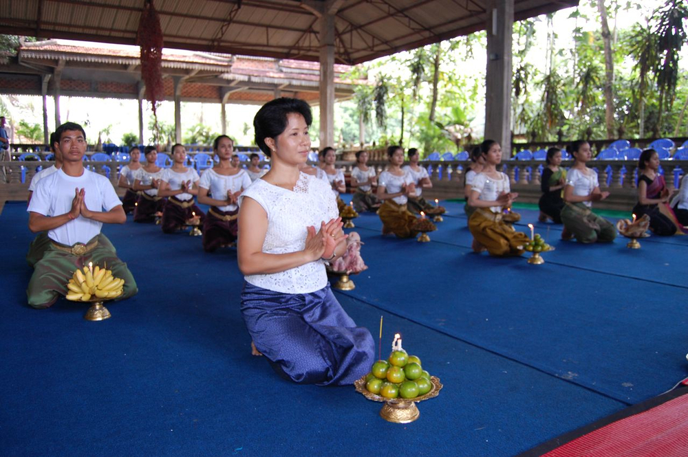 Sophiline Cheam Shapiro and Ensemble - Khmer Arts (3).jpg