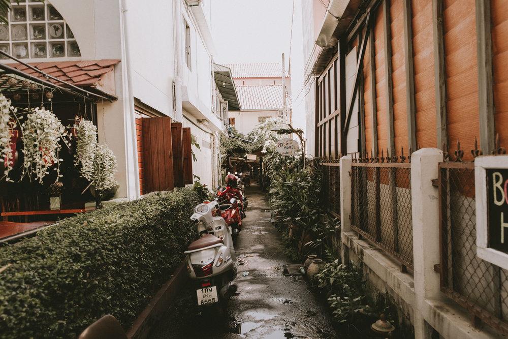 samlandreth-alley.jpg