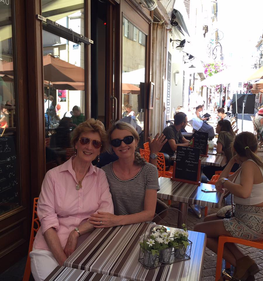 Mom and I stop for a coffee (not a flat white - they never heard of them!) in Antibes
