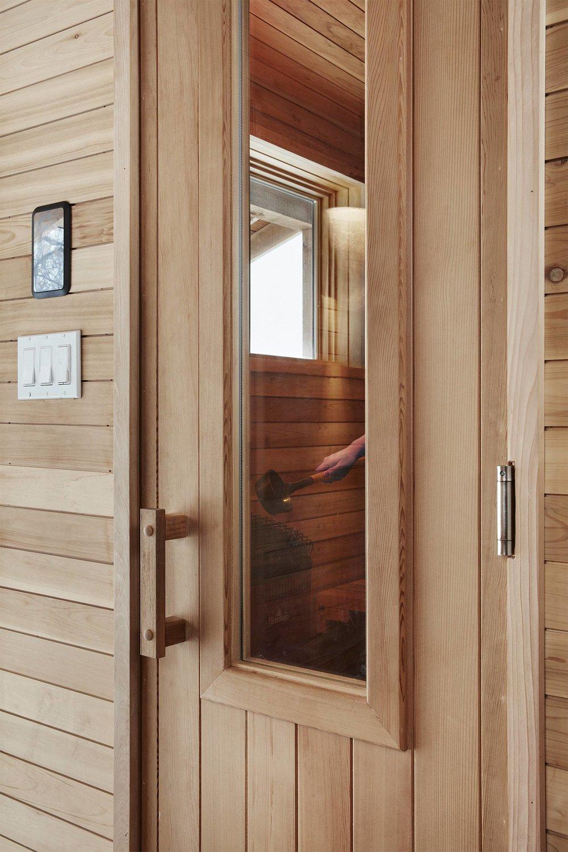 5665 sauna.jpg