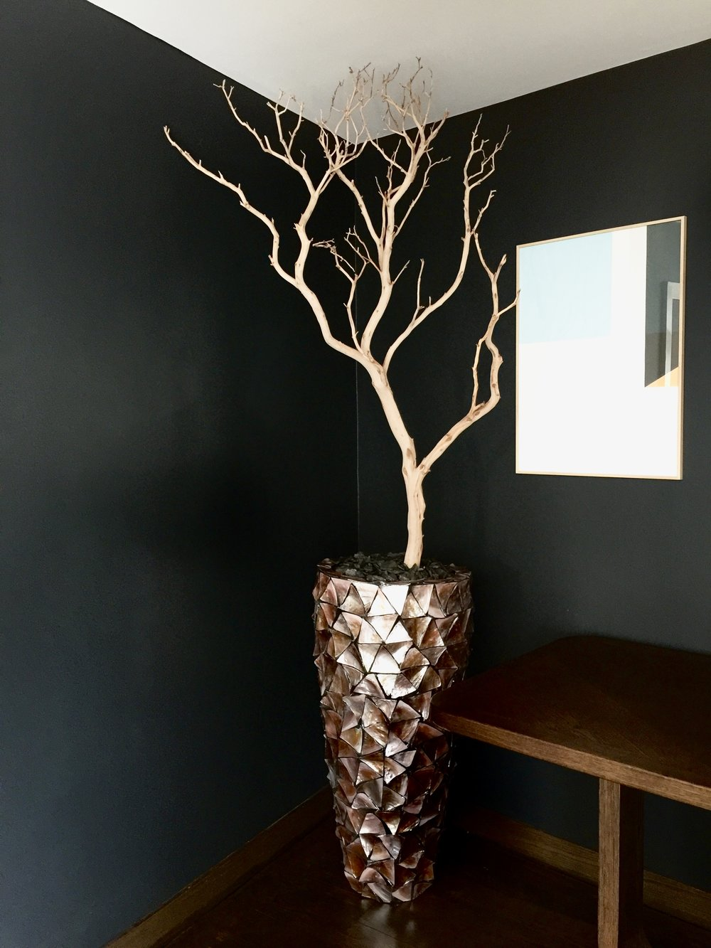 A stunning Shell Planter complete with Manzanita Branch. Installed in a Bournemouth Restaurant private dining area.