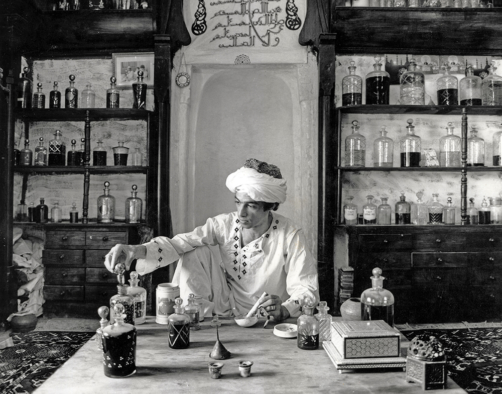 Traditional Perfumer  Hasan Ali Omran  Cairo 1982