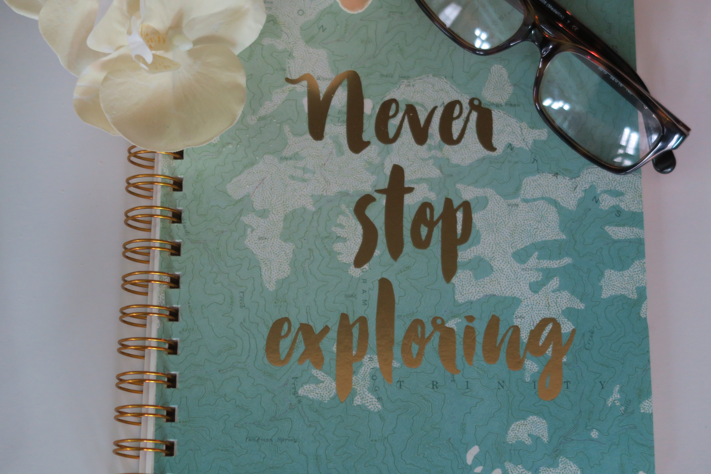start a journal, weekend things, things to do on weekend, journaling, chrissy woods,