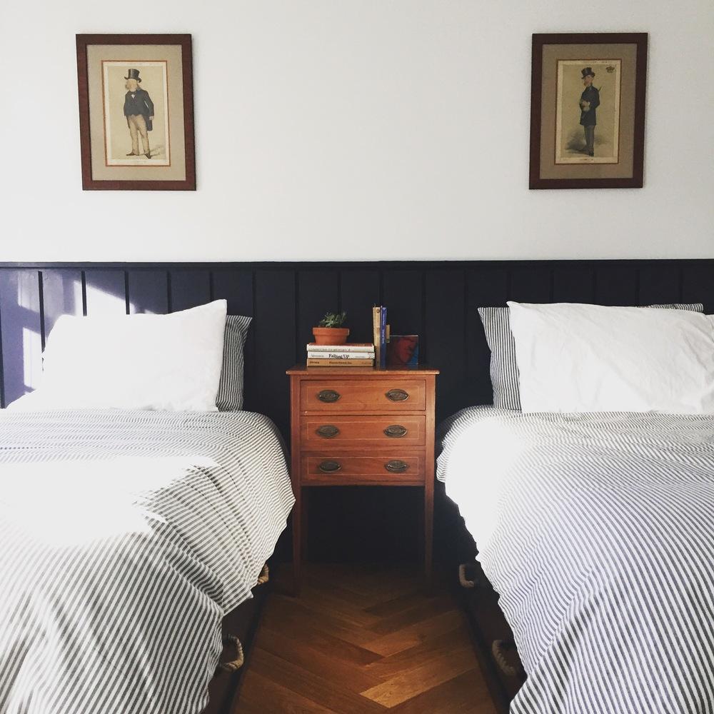 twin bedroom.jpg