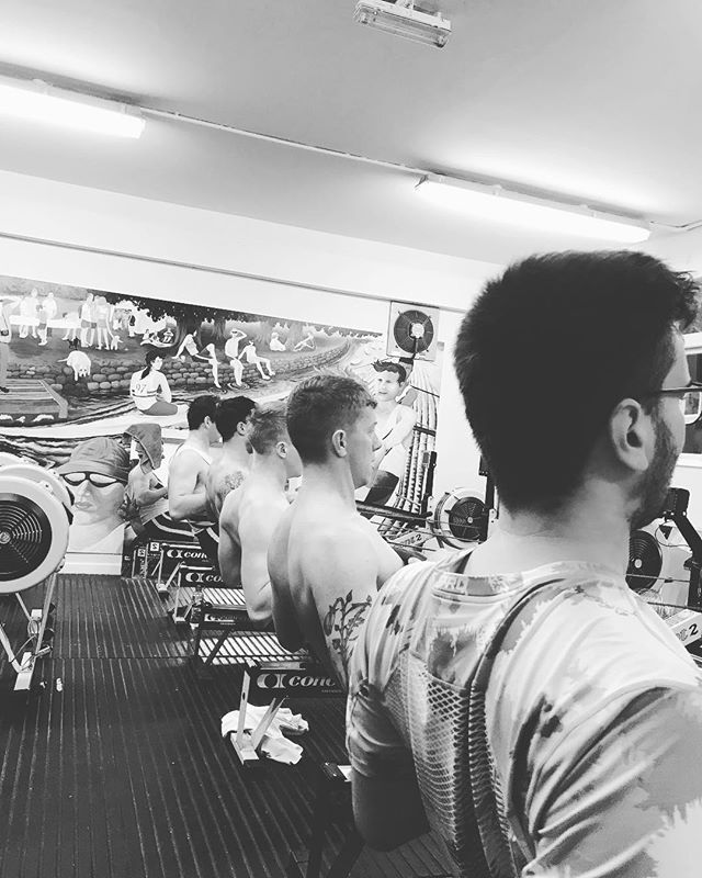 The 6am grind is better with mates . . . #YeahReading #whywerow #rowing #rudern #remo #crew #greymachine #thegrind #teamwork #wintermiles #motivation