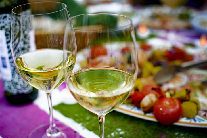 Alternative white wine pairings for popular summer meals