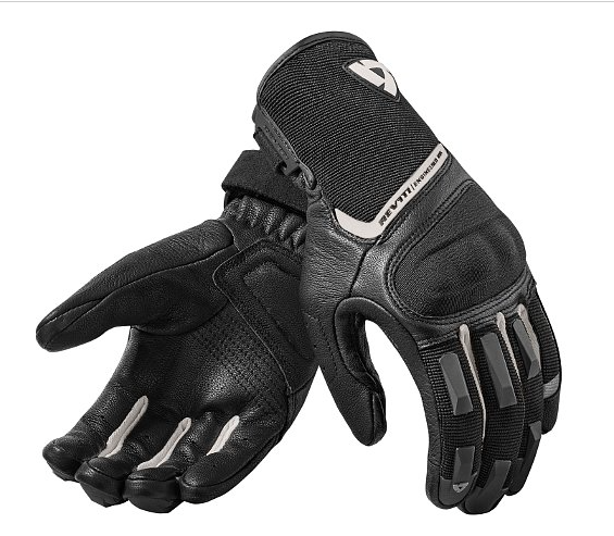 revit_striker2_gloves_silverblack