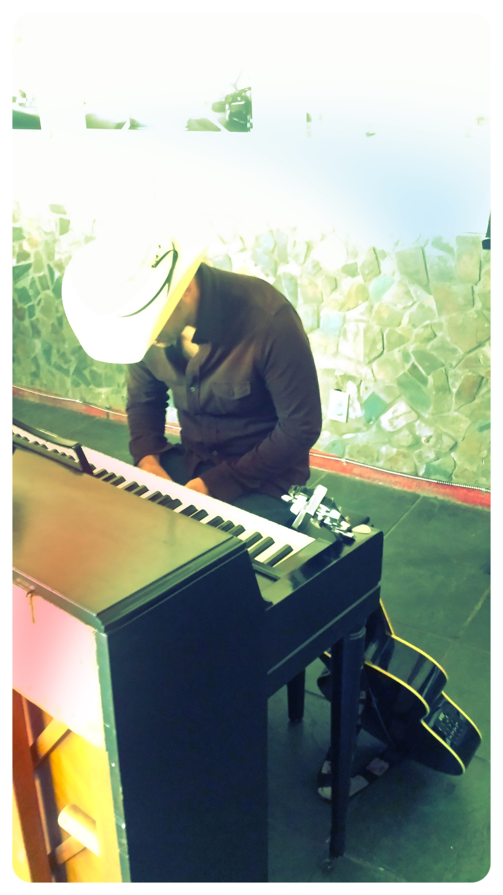 Bianco Piano.jpg
