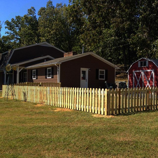 3ft tall, pressure treated, wood picket fence completed today in Kuttawa, KY! #lakebarkley #fence #picketfence #kentucky #fenceit #fenceline #candc #fencecompany #custombuilt