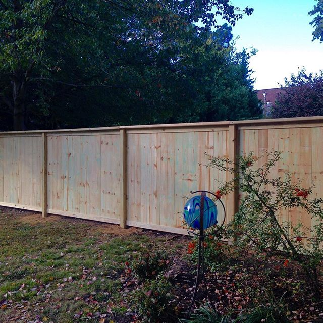6ft tall cap and trim wood privacy fence completed in Madisonville, KY! #kentucky #fence #woodfence #fenceline