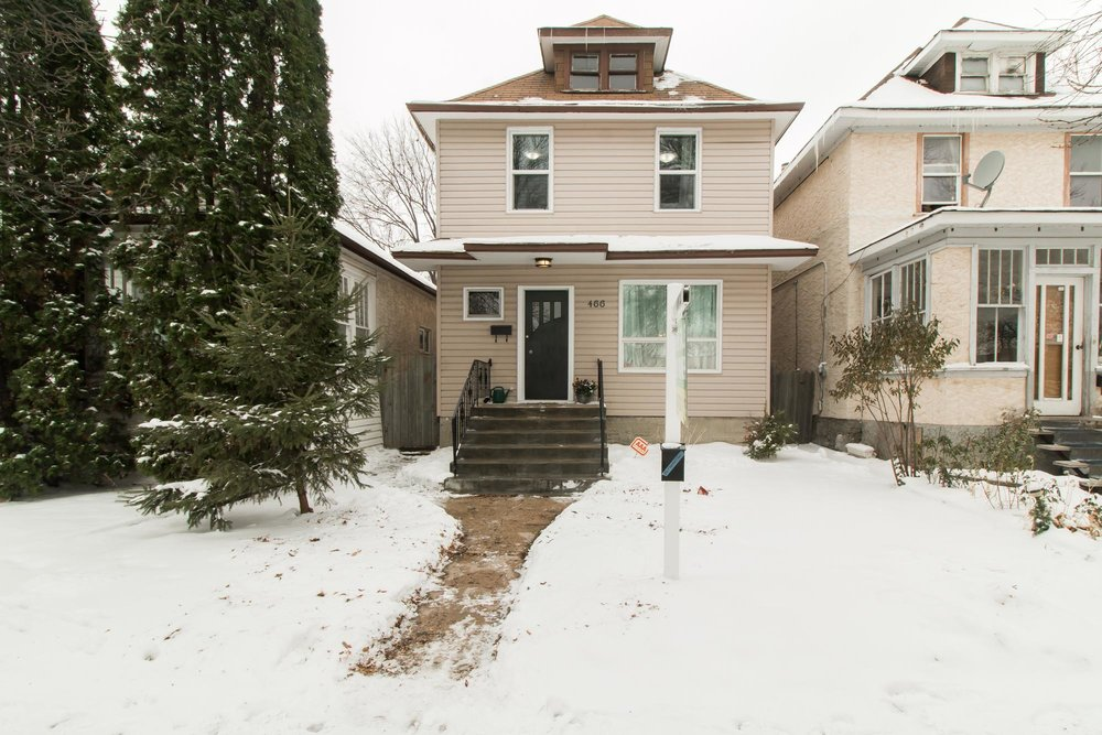 466-banning-st-winnipeg-for-sale-bobby-wall-realtor-winnipeg.jpg