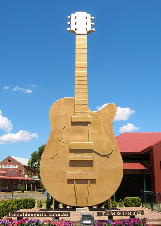 Big_GoldenGuitar_Tamworth.jpg