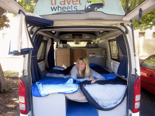 3-person-hitop-toyota-campervan-07.png
