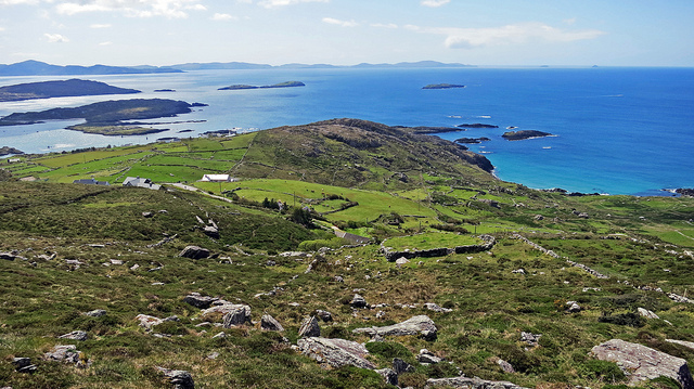 The Beara Peninsula, photo by  Alex Ranaldi / CC 2.0