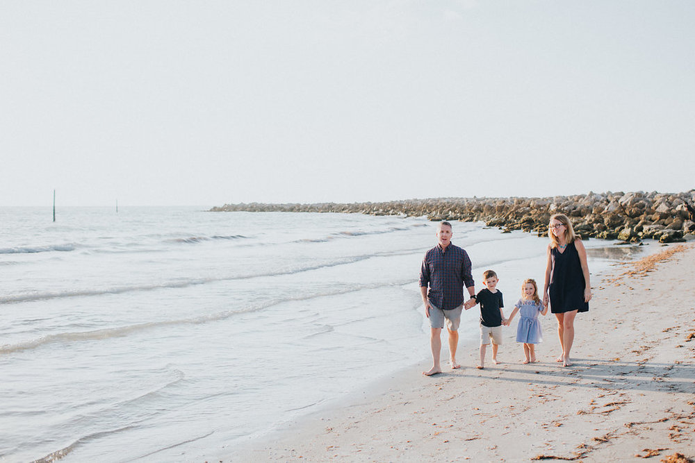 florida sand key beach family session_13.jpg
