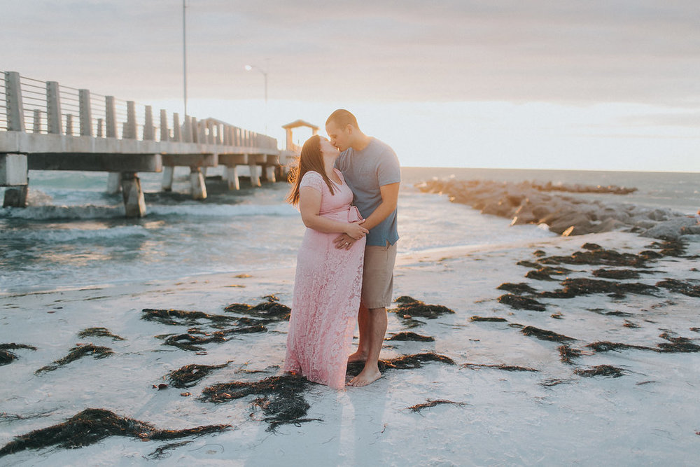 Fort De Soto Maternity session photography _037.jpg