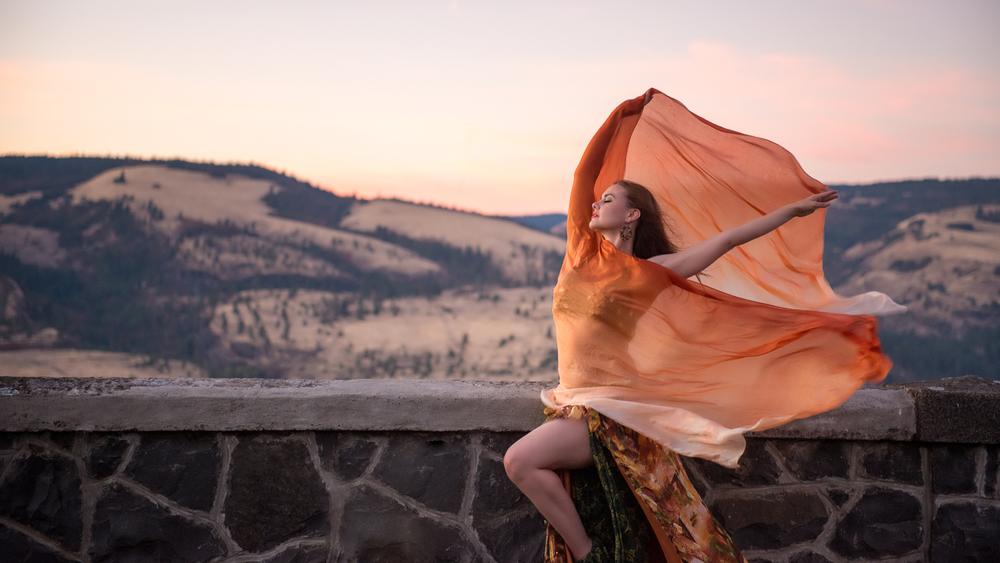 EmilieLauren-Znama-Dance-8.jpg