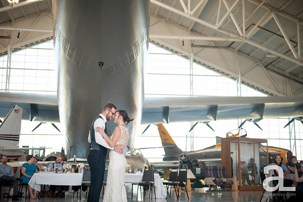McMinnville-Aviation-Museum-Wedding-Photography_0028.jpg