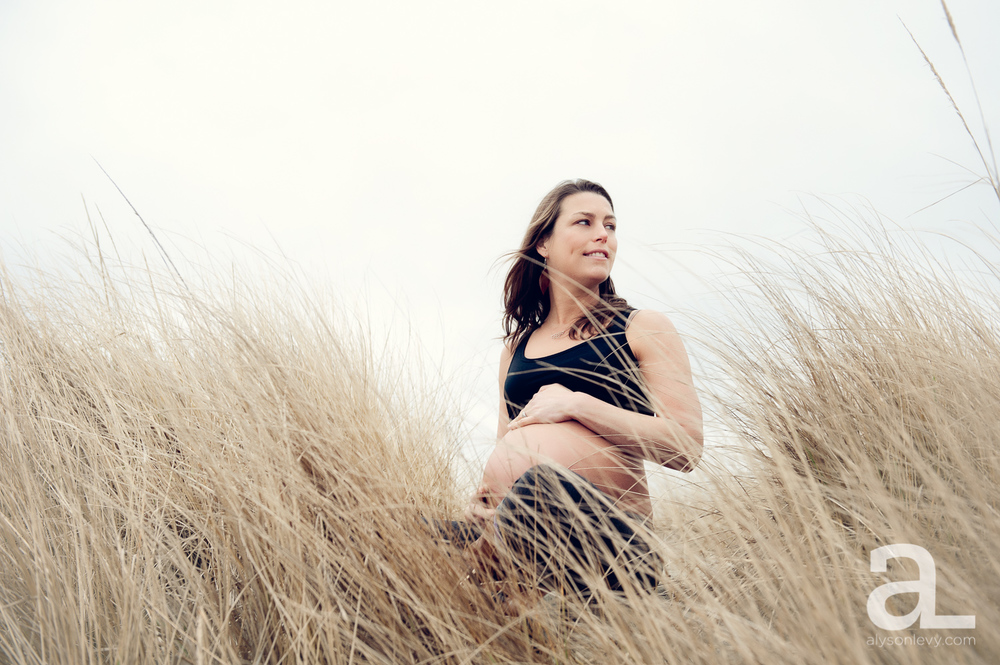 Oregon-Coast-Maternity-Photography-013.jpg