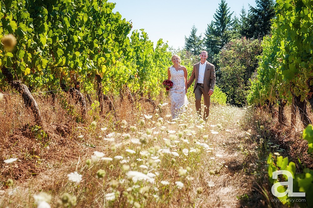 Oregon-Vineyard-Wedding-Photography_0008.jpg