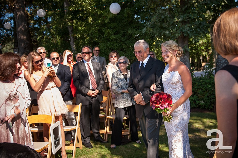 Oregon-Vineyard-Wedding-Photography_0017.jpg