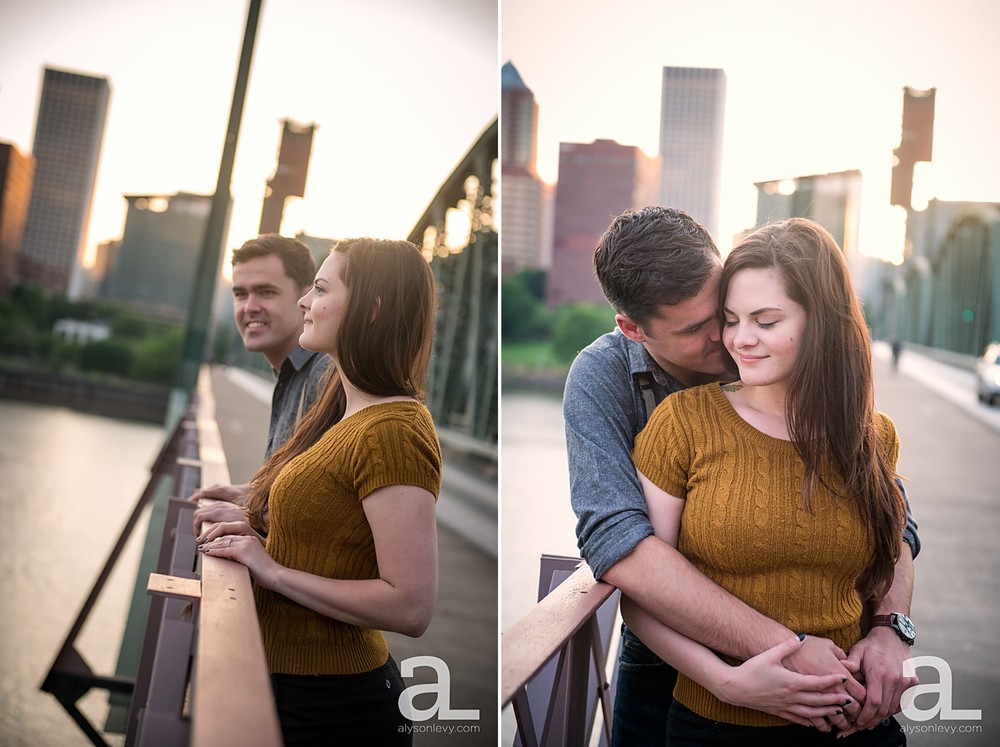 Portland-Waterfront-Engagement-Session_0011.jpg