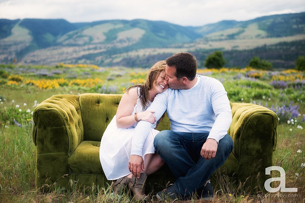 Columbia-River-Gorge-Engagement-Photography-Session_0006.jpg