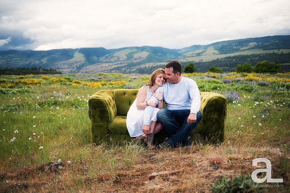 Columbia-River-Gorge-Engagement-Photography-Session_0015.jpg
