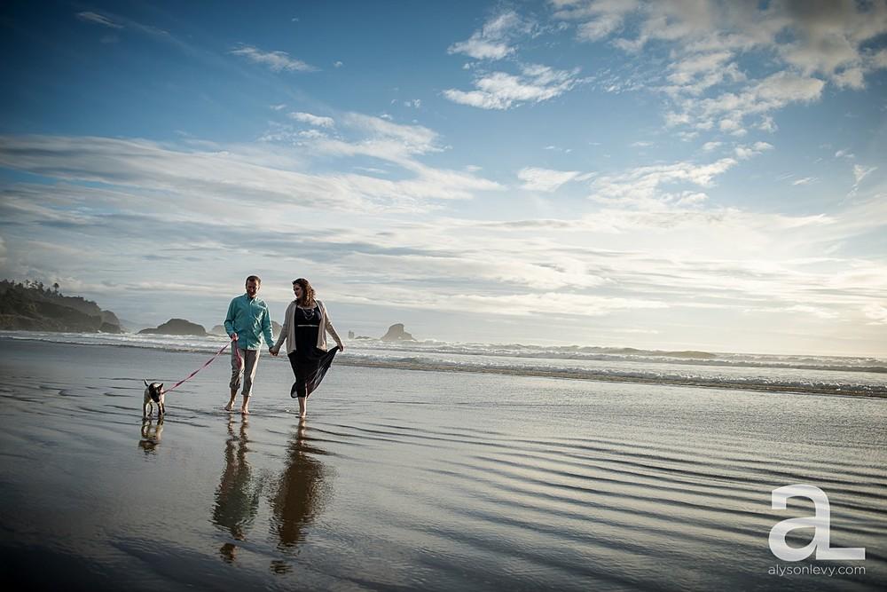 Oregon-Coast-Engagement-Photography_0007.jpg